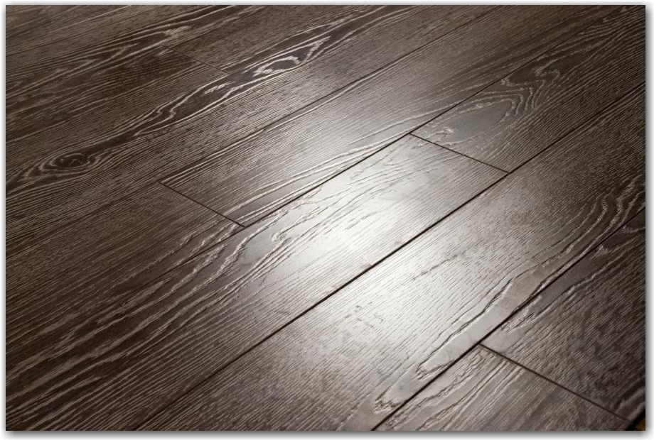 laminat_napolniy_ecoflooring_brush_wood_dub_venge_527g